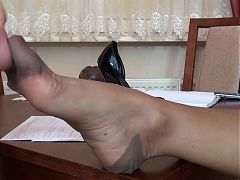 Fingering wife's feet