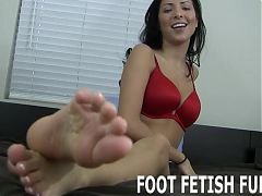 I want to show my fresh new pedicure off