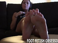 Stroke your cock while you play with my feet