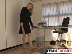 Business dominatrix paddles her pathetic subject