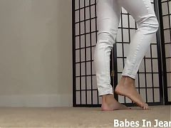 You cant resist me in a skin tight jeans JOI