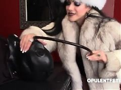 fur fetish dominatrix